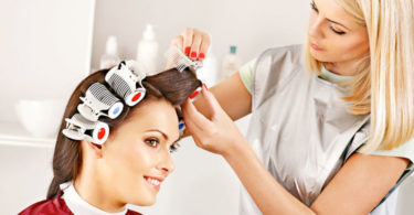 como-usar-los-rollos-para-el-cabello