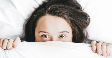 insomnio-causas-hormonales